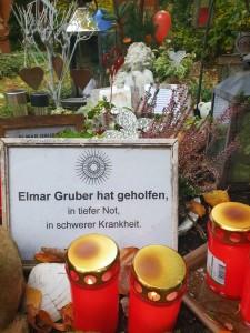 Danklichter an Elmars Grab - 2